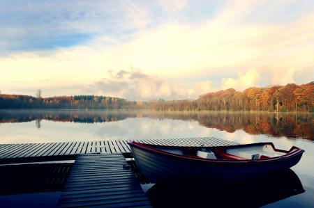 Заставки озеро, лодка, причал