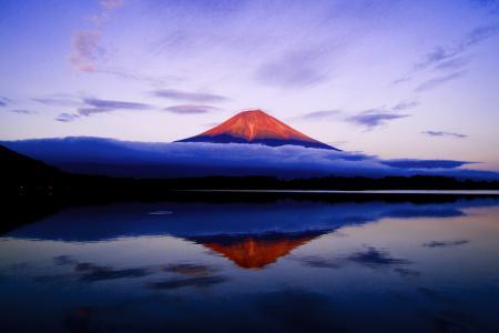 Заставки гора, вода, небо, вечер
