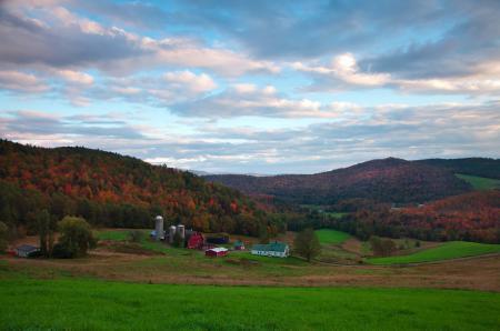 Обои ферма, долина, небо, осень