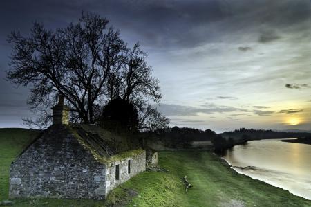 Фото река, дом, закат, пейзаж