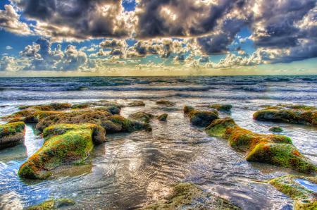 Обои море, волны, камни, облака