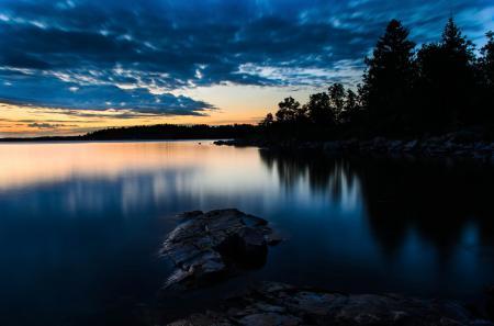 Заставки лес, озеро, камни, вечер