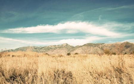 Картинки небо, горы, трава, поле