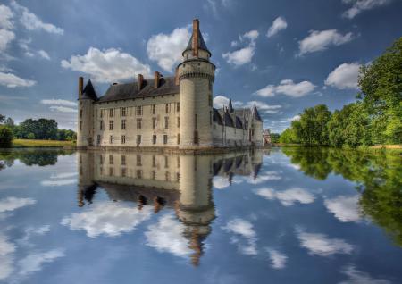 Картинки город, замок, вода, небо