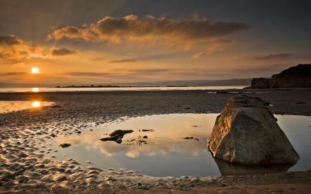 Фото закат, море, камень, природа