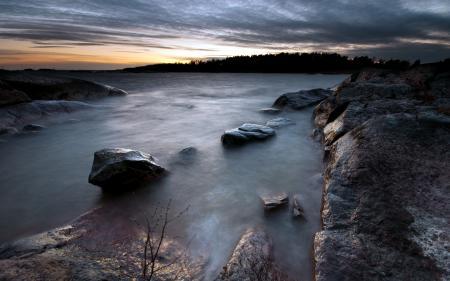 Картинки ночь, озеро, камни, природа