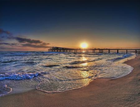Фото море, закат, мост, побережье