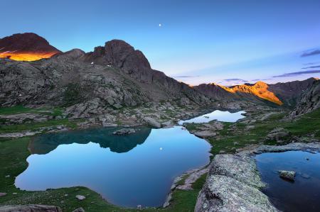 Заставки горы, закат, сумерки, вода