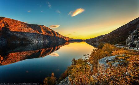 Картинки осень, река, горы, дорога