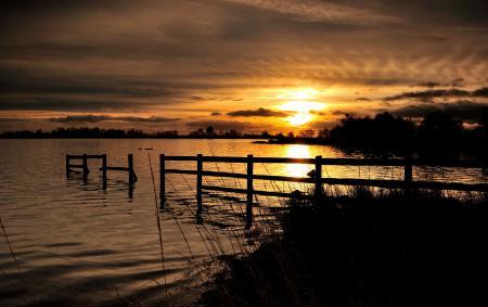 Обои закат, озеро, небо