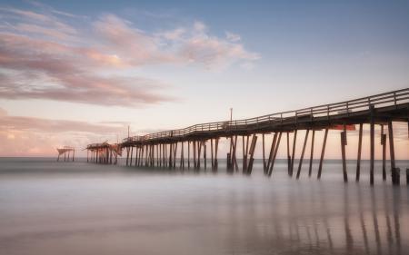 Фото Океан, мост, дымка, вода