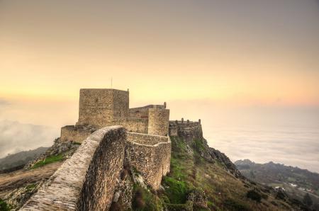 Обои Португалия, замок, небо, туман