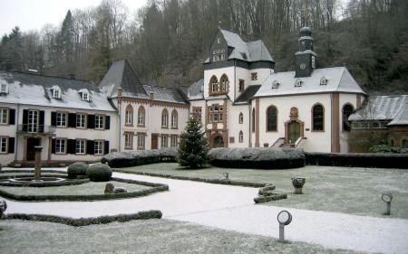 Обои Замок, зима, иней, ёлка
