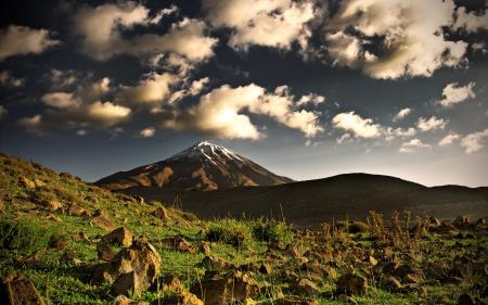 Заставки Iran, горы, камни, облака