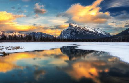 Обои горы, зима, снег, озеро