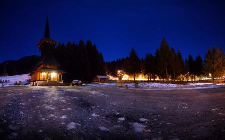 Заставки Церковь, снег, лес, ночь