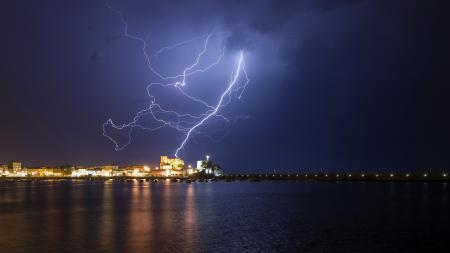Фотографии ночь, молния, море, город