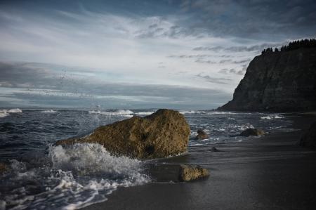 Фото берег, песок, камни, вода
