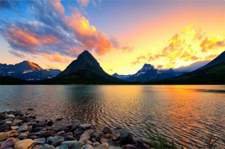 Фото озеро, камни, горы, закат