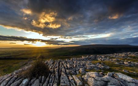 Фотографии закат, поле, камни, пейзаж