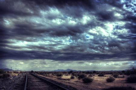 Картинки тучи, дорога, рельсы, пустыня