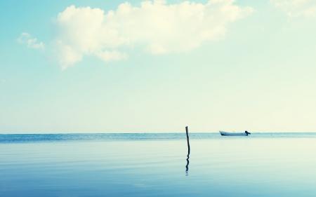 Заставки море, лодка, небо