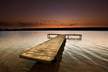 Фото озеро, гадка, мостик, вечер