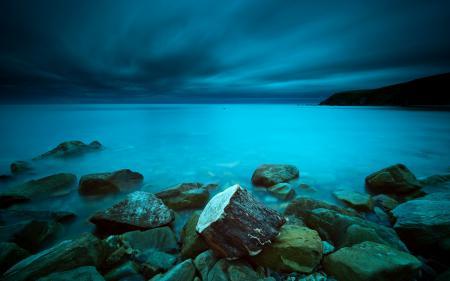 Картинки ночь, море, камни, пейзаж