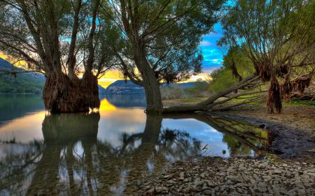 Обои Villetta Barrea lake, озеро, деревья
