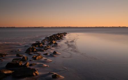 Фото река, закат, камни, пейзаж
