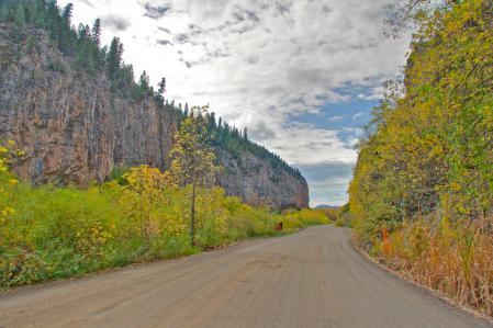 Фото осень, дорога, горы, скалы