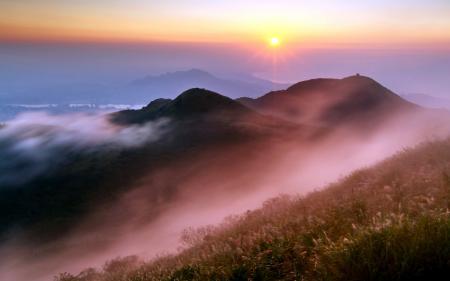 Обои горы, закат, туман, пейзаж