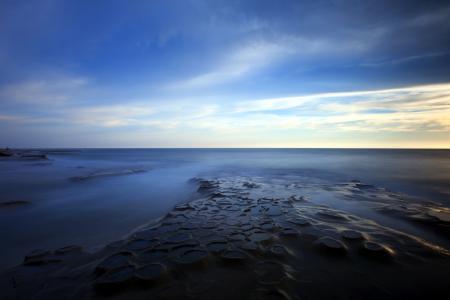 Обои море, ночь, небо, скалы