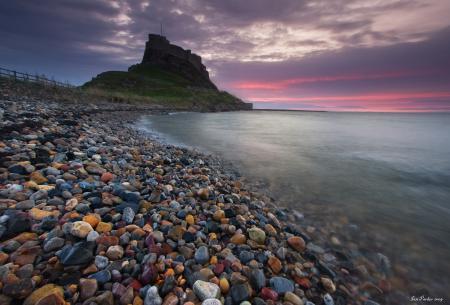 Картинки море, галька, крепость, прибой