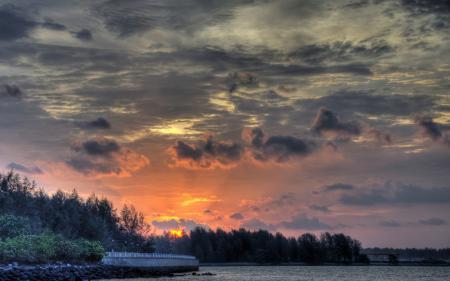 Картинки небо, серое, закат, река