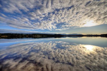 Фото озеро, небо, облака, отражение