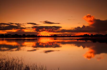 Фото озеро, небо, облака, закат