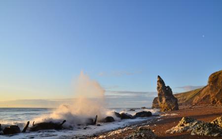 Обои море, волны, брызги, берег