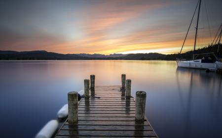 Обои озеро, мост, лодка, закат