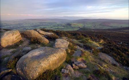 Обои утро, поле, камни, пейзаж