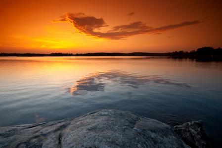 Обои небо, закат, золотой, озеро