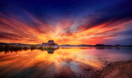 Обои озеро, небо, скала