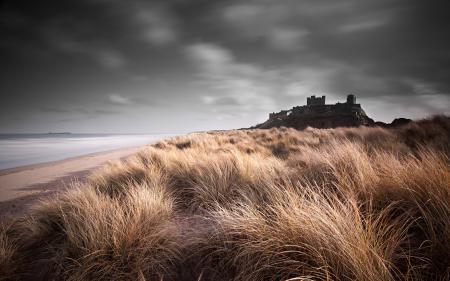 Фото замок, трава, небо