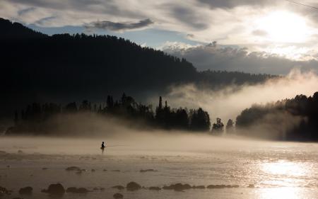 Обои рыбалка, река, туман