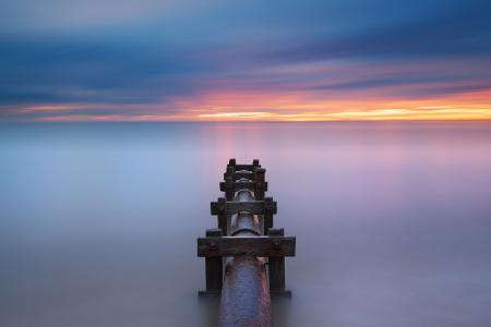 Фотографии море, закат, труба