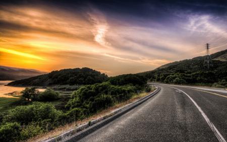 Обои дорога, небо, закат, пейзаж