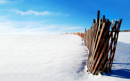 Фото снег, забор, деревяшки, зима