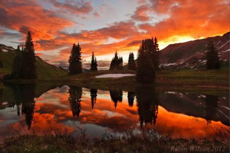 Заставки озеро, горы, деревья, закат