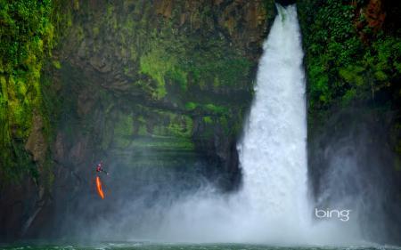 Фото водопад, скалы, каноэ, человек