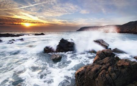 Фото море, камни, волны, небо